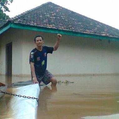 Banjir SMA Negeri 8 Jakarta 16 Januari 2013