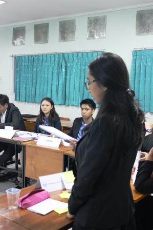 Delegate of India and Japan paying attention
